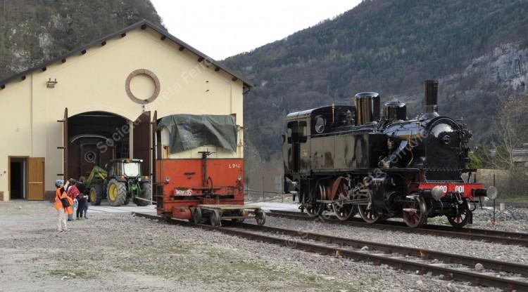 Visite all'antica rimessa delle locomotive